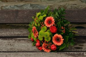 autumn-flowers-1721896_640