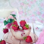strawberries-2550024_640
